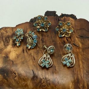 Bundle vintage sky blue gold screwBack rhinestone
